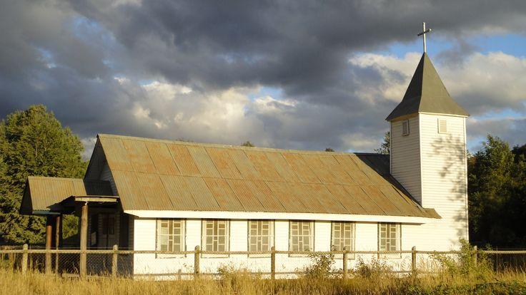 Iglesia Puerto Fuy - Chile