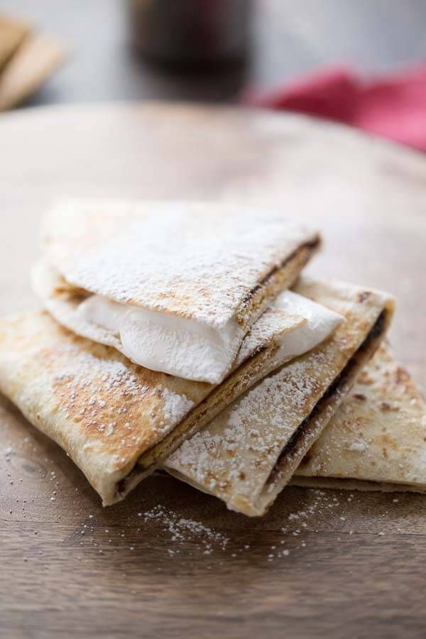 A S'mores recipe turned quesadilla!  Fun required but campfire optional!  Need to try this tonight. lemonsforlulu.com