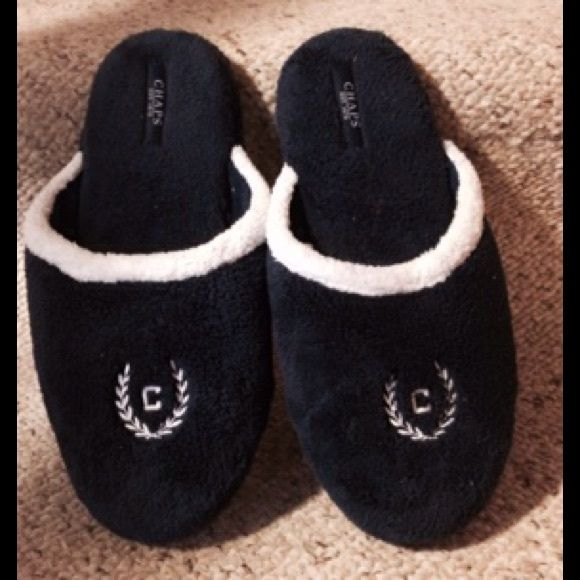 Chaps Navy Blue and White Slippers Navy blue and white terry cloth slippers. XL(9 1/2-10 1/2). Chaps Shoes Slippers
