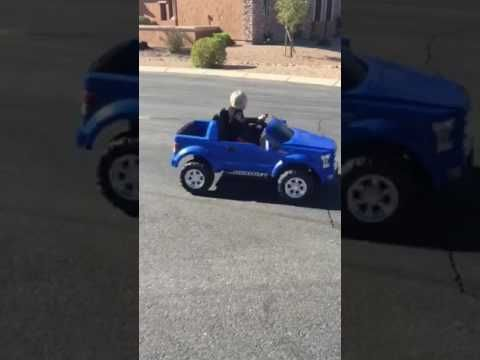 Kid Does Doughnuts in Power Wheels Truck http://www.lakatate.com/index.php/latest-videos/3592-kid-does-doughnuts-in-power-wheels-truck?utm_source=social&utm_medium=pin&utm_campaign=daily