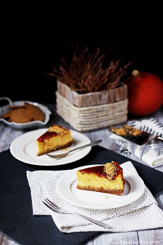 Caramel Pumpkin Cheesecake / Dýňový chesecake s karamelovou polevou | Na vidličku food blog