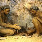 Publicado en Proceedings of the National Academy of Sciences, un estudio británico sobre la dentadura del Australopithecus bahrelghazali una especie de primo de Lucy sugiere que este homínido se alimentaba principalmente con gramíneas hace 3,5 millones de años. Mediante el estudio de los diferentes isótopos de carbono fosilizados de tres Australopithecus bahrelghazali de Chad, Julia Lee-Thorp, de la Universidad de Oxford, y sus colegas hicieron un interesante descubrimiento. El régimen…