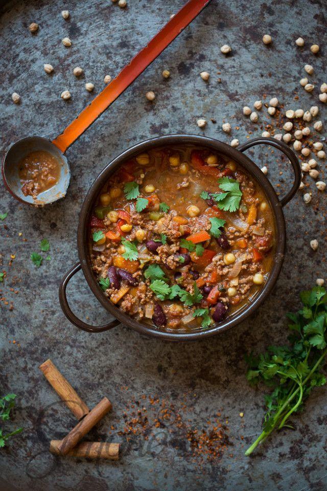 Chili con carne by Jamie Oliver | insimoneskitchen.com More