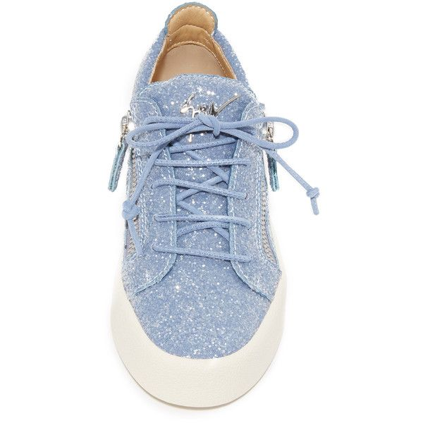 Giuseppe Zanotti Glitter Lace Up Sneakers (43,370 INR) ❤ liked on Polyvore featuring shoes, sneakers, glitter shoes, laced up shoes, giuseppe zanotti trainers, glitter trainers and lace up shoes