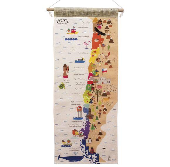 Mapa Chile de tela/ lapipaflor/ $16.000 Mapa de Chile impreso en tela de algodón Medidas:  29cm x 72cm (Incluye tarugo de madera y cuerda para colgar) Ilustraciones del libro: El largo viaje del pequeño pudú.