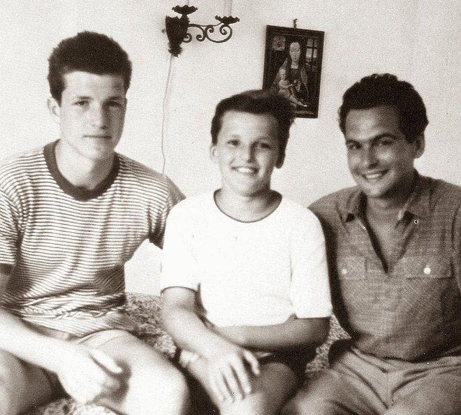 Testvérek: Bujtor István (balra), Latinovits Zoltán (jobbra) is szerzett civil diplomát