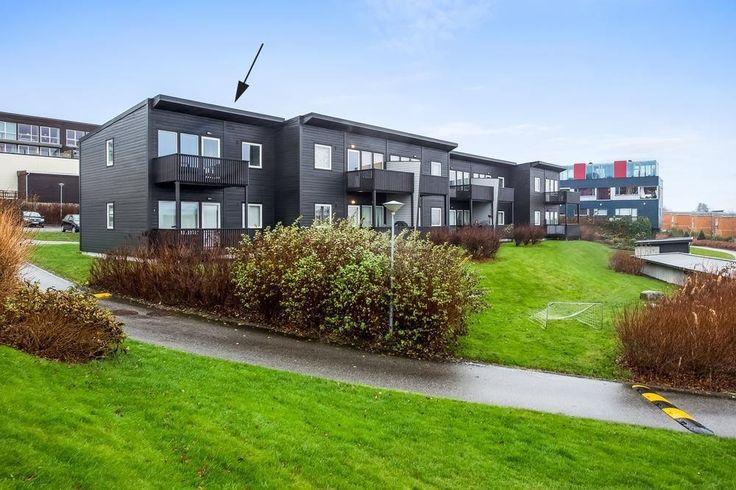 FINN – Sunde / Søra Bråde - Flott topp- og endeleilighet med 2 sov, nyoppusset bad og meget pen utsikt.