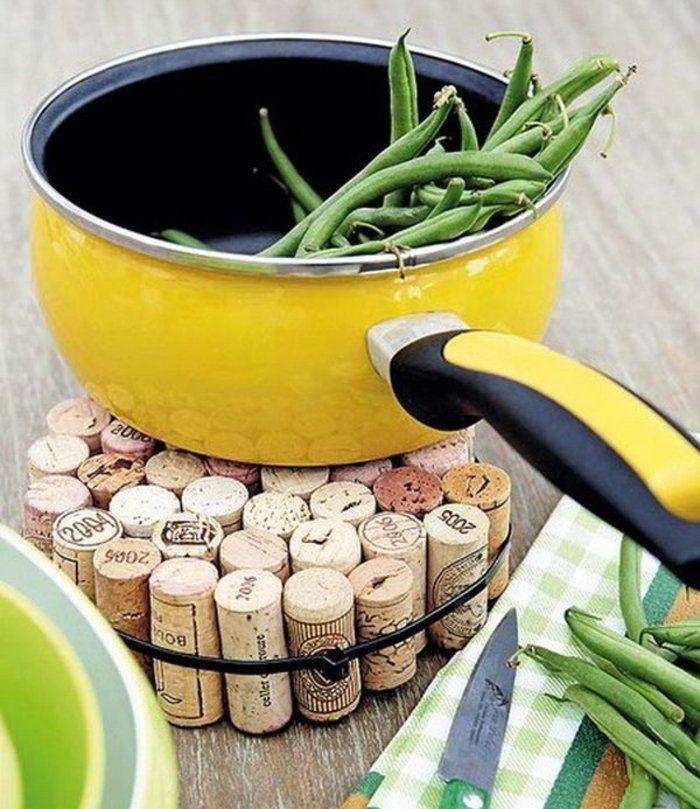 Salvamanteles reciclando tapones de corcho