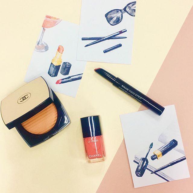 #ELLEbeauty ルチア ピカによるシャネル クルーズ メークアップ コレクションが登場新製品のフェイスパウダーレ ベージュ プードゥル ベル ミン アンソレイエをはじめどのアイテムも繊細なテクスチャーが軽やかに肌になじみ夏に漂う解放的なムードを演出5月12日金発売です #ellejapan #elleonline #elle #chanel #シャネル #beauty #cosme  via ELLE JAPAN MAGAZINE OFFICIAL INSTAGRAM - Fashion Campaigns  Haute Couture  Advertising  Editorial Photography  Magazine Cover Designs  Supermodels  Runway Models