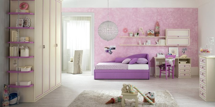 if you search the bedroom of fairy tales, here's Romantic! The line perfect for a little princess who loves to dream ... Discover all other proposals to link http://www.spar.it/ita/Catalogo/Junior/ROMANTICA/Default-cc-275.aspx