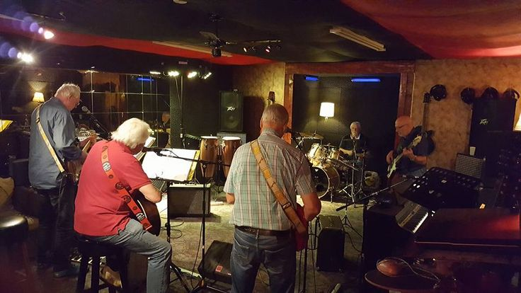 The XO band brings us with their rehearsal in Bandstart studio right back to the 60's. Very nice music !!!
