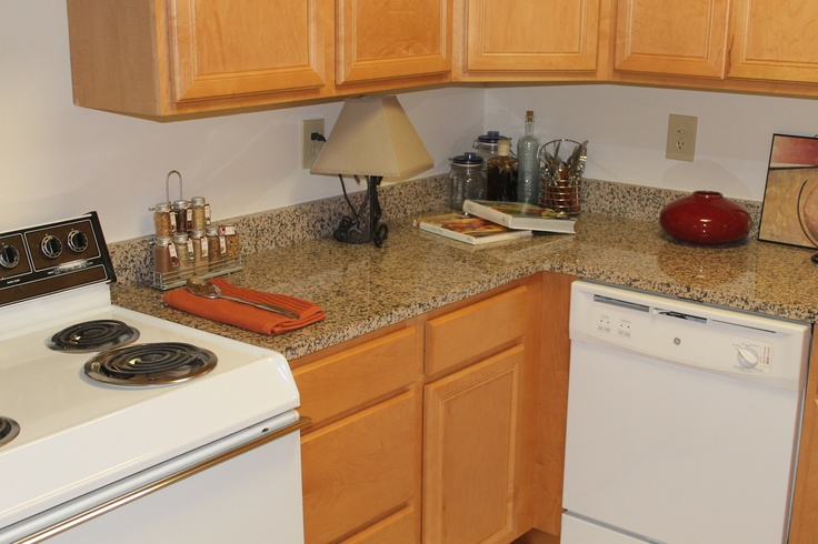 Kitchen Remodeling With Oak Cabinets