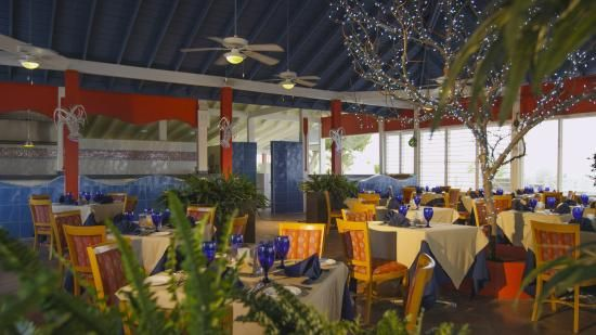 Holiday Inn Resort Montego Bay, Montego Bay Picture: Seabreeze Restaurant - Check out TripAdvisor members' 14,918 candid photos and videos of Holiday Inn Resort Montego Bay