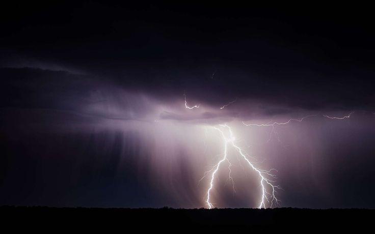 D'où part l'éclair : du ciel ou du sol ?