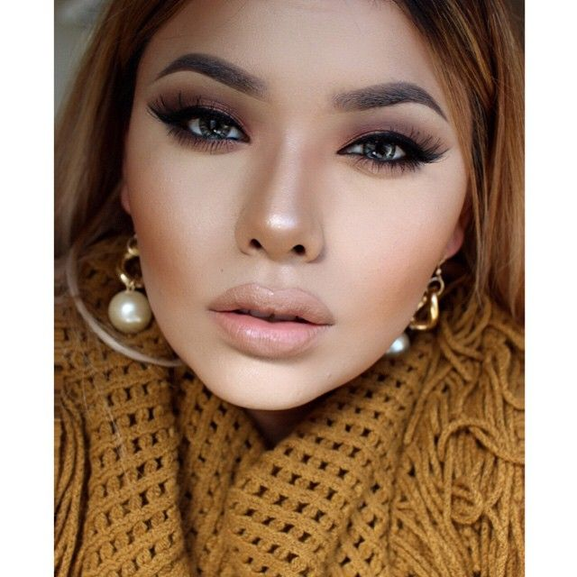 #ShareIG Face: @brian_champagne HydraPlex// @inglot_usa Mattifying Primer// @makeupforeverofficial HD Foundation// @lagirlcosmetics pro concealer// @anastasiabeverlyhills contour kit// MAC Fix+ Lips: MAC Oak lip Pencil & @nyxcosmetics Butter Lipstick More on eyes soon