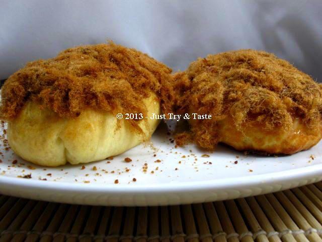 Just Try & Taste: Obsesi Roti 30: Roti Abon Isi Tumis Ayam