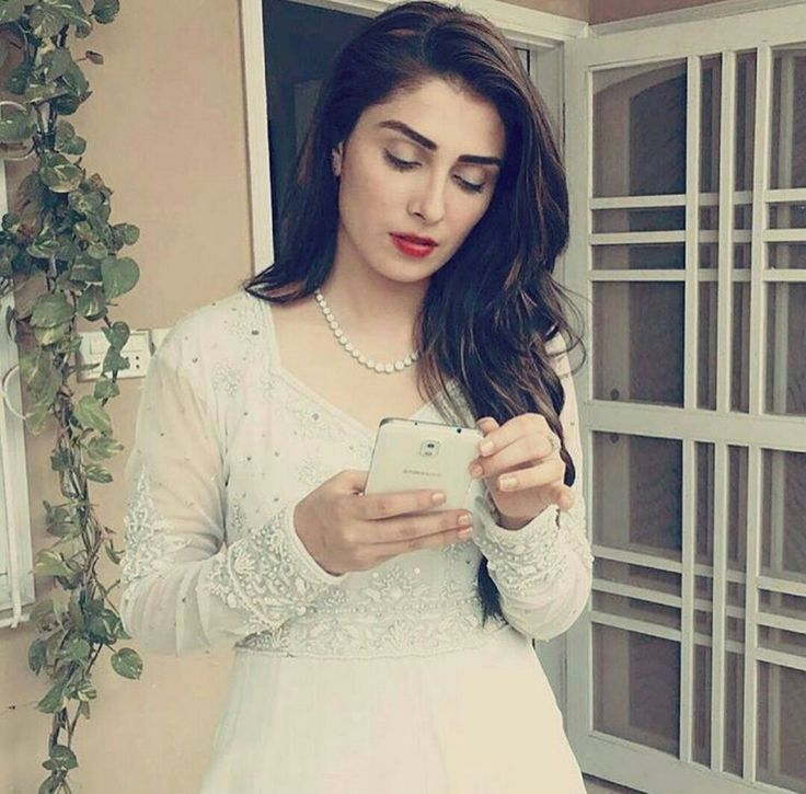 Gorgeous Ayeza Khan! ❤