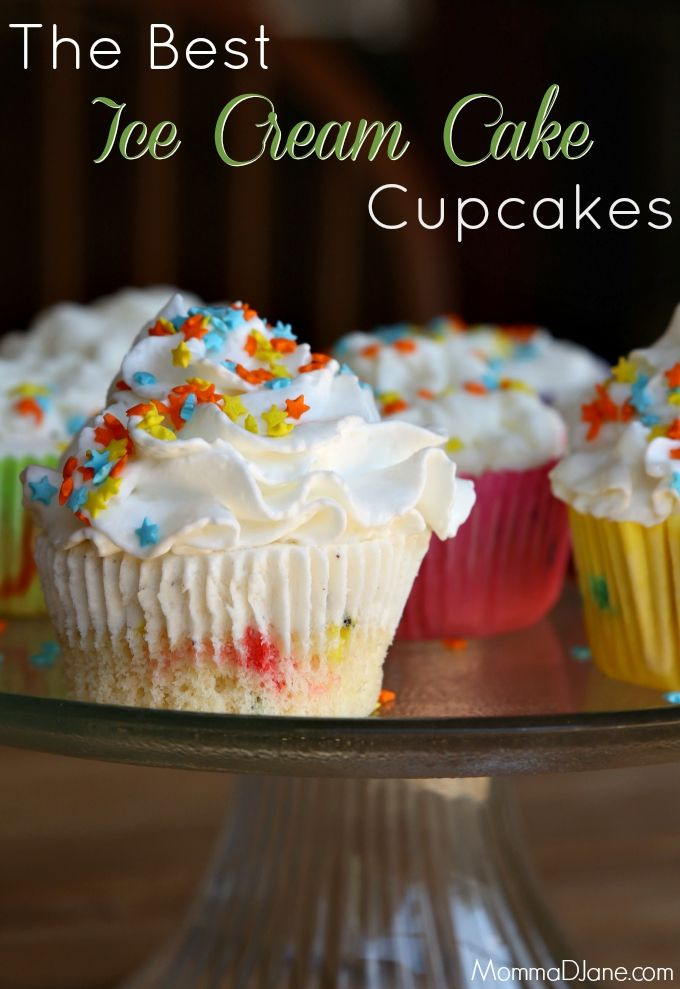 How to Make Ice Cream Cake Cupcakes via @ MommaDJane #icecream #cupcakes