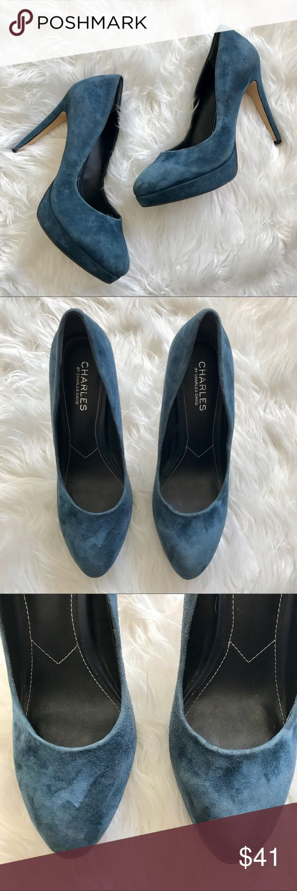 CHARLES DAVID LEATHER SUEDE HEEL NAVY BLUE 8 Classic navy closed toe heel, perfect for everyday wear yet can definitely accessorize these up for a fancy night out! Great condition only used a few times, retails 71$, pair with a palazzo pant and cropped tie blouse with these heels ! 😍 Charles David Shoes Heels