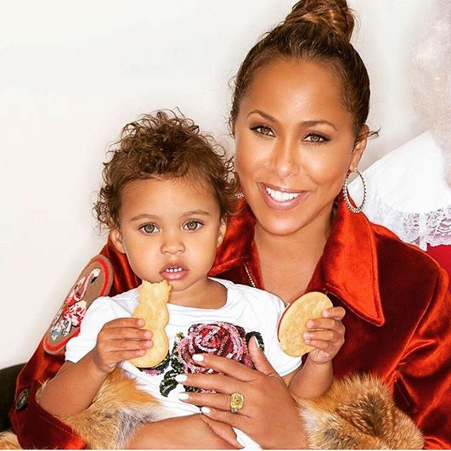 Marjorie Harvey and granddaughter...so adorable 😍❤ ... ... #black #blackpeople #instafashion #fashion #ootd #style #naturalhair #photography  #instagram #fierce #melanin #designers #colorful #fashiondiaries #blackslayingit #celebrity #blackgirlmagic #cute #kidsfashion #potd #model #lifestyle #lifestyleblogger #fashiondesigners #slay #kids #beautiful #instadaily #queen
