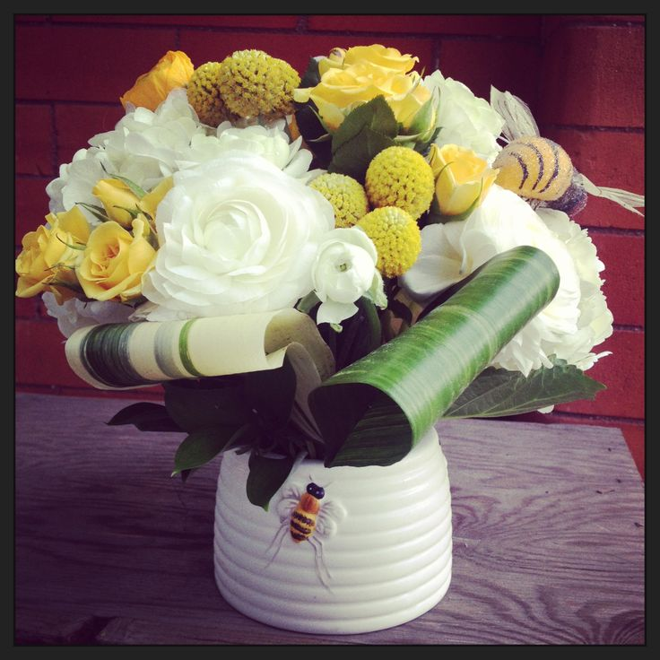 Beehive centerpiece for B's Nail Salon (Denver). Arrangement designed by Plum Sage Flowers.