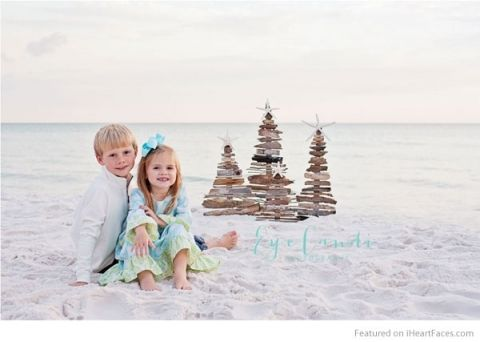 Christmas at the beach - Holiday Photography Inspiration on I Heart Faces Photography Blog