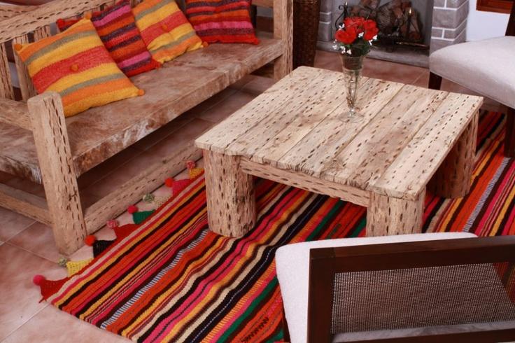 Alfombras En Lana De Oveja y mesa y sillón de cardón