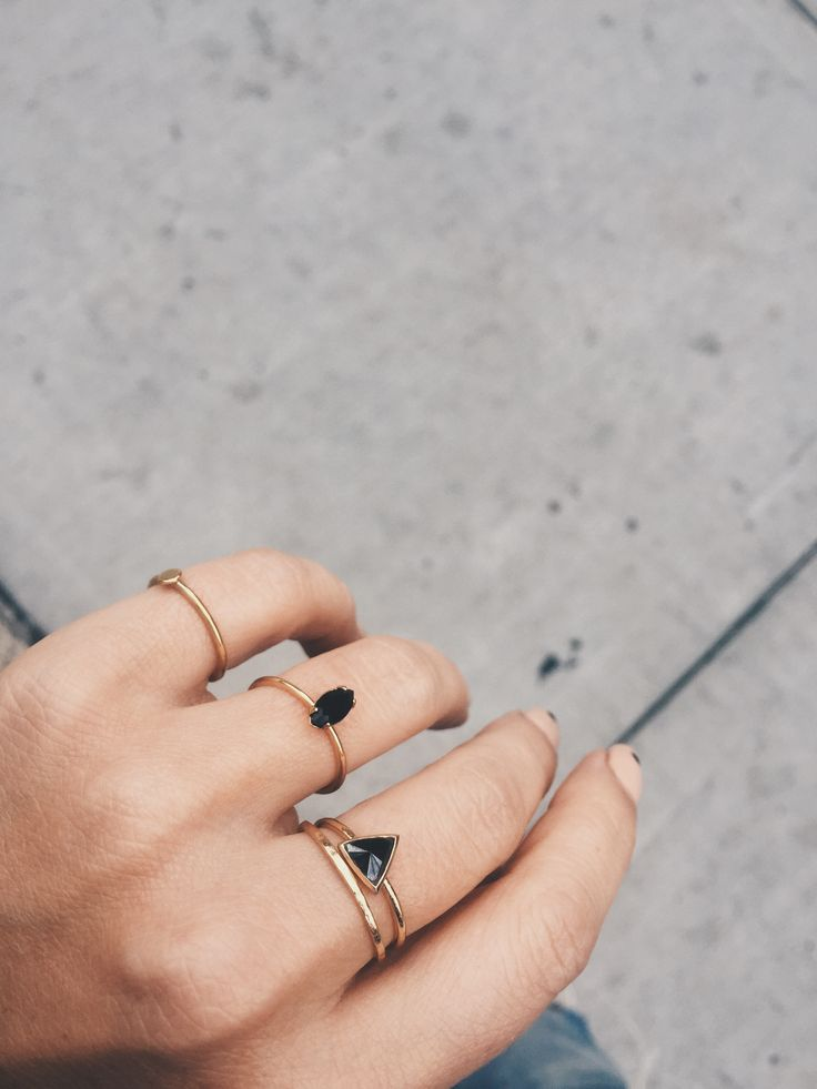 Black and Gold, love this combo and these mega chic delicate rings! | @bingbangnyc