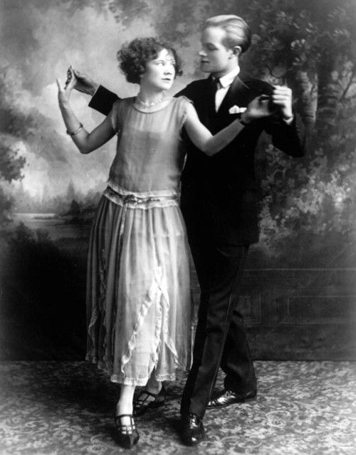 sweetmadameblue:  Lester Hope and Mildred Rosequist,ca. 1923. Leslie Hope changed his name to Lester, because he thought it sounded more manly, and then finally to Bob.