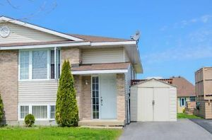 $174,900 Lovely semi-detached bungalow in desirable neighborhood Cornwall Ontario image 1