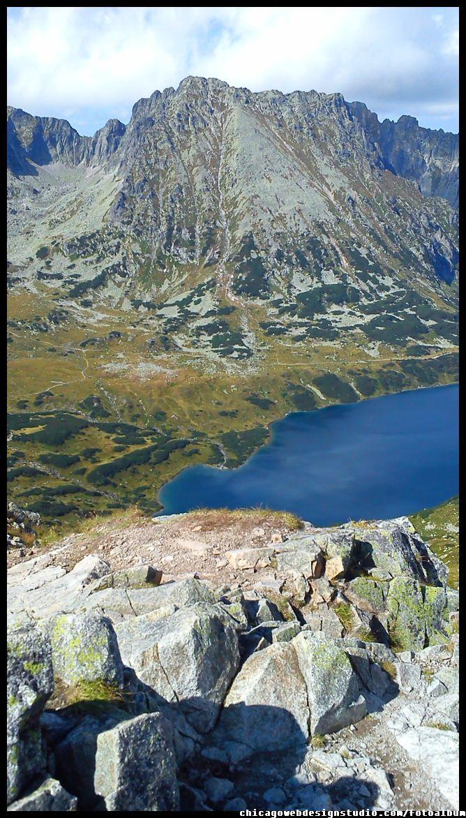 widok na Dolinę Pięciu Stawów - Tatry - Tatra Mountain Szpiglasowy Wierch / góry Tatry / Góry / Tatra Mountains #Tatry #Tatra-Mountain #Góry #szlaki-górskie #piesze-wędrówki-po-górach #szczyty-górskie #Polska #Poland #Polskie-góry #Szpiglasowy-Wierch #Szpiglasowa-Przełęcz #Zakopane #Tatry-Wysokie #Polish Mountains #Morskie-Oko #Czarny-Staw #na -szlaku-z-Doliny-Pięciu-Stawów-poprzez-Szpiglasową-Przełęcz-i-Szpiglasowy-Wierch-do-Morskiego-Oka #turystyka-górska