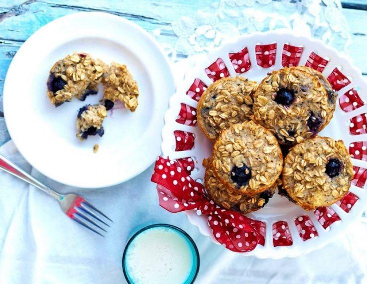 Muffins με βατόμουρα, βρώμη και μπανάνα