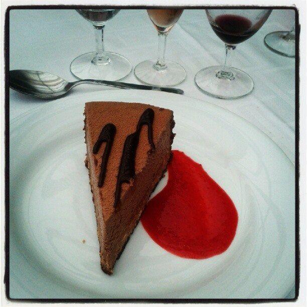 Gâteau chocolat et coulis de fruits rouges - Chalet du Lac / Bois de Vincennes - 2013 - Photo Martine Le Jossec