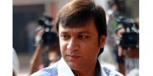 Some unidentified persons, believed to be supporters of Majlis-e-Ittehadul Muslimeen (AIMIM) MLA Akbaruddin Owaisi, on Wednesday attacked vehicles belonging to two national media houses after their leader was remanded to judicial custody for 14 days in connection with a hate speech case registered against him... http://www.frontpageindia.com/andra-pradesh/akbaruddins-supporters-attack-media-vehicles/47228