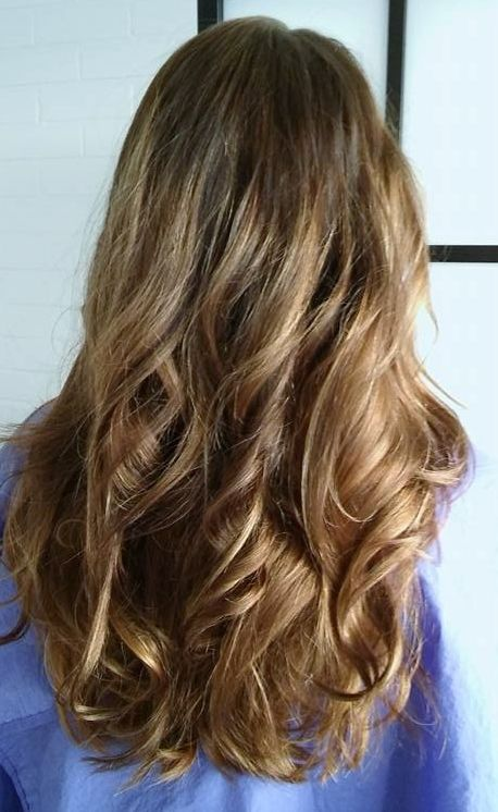 Vaaleanruskeat hiukset