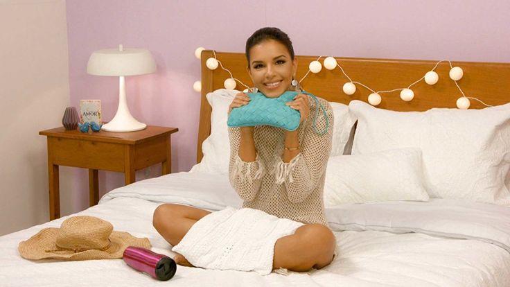 No novo episódio do 'Se Arrume Comigo', Mari Rios mostra os produtos que leva para a areia na estação mais quente