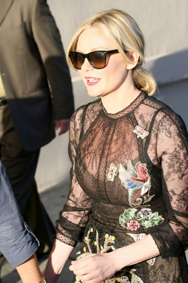 Kirsten Dunst seen as she leaving the ABC studios after Jimmy Kimmel Live http://celebs-life.com/kirsten-dunst-seen-leaving-abc-studios-jimmy-kimmel-live/  #kirstendunst
