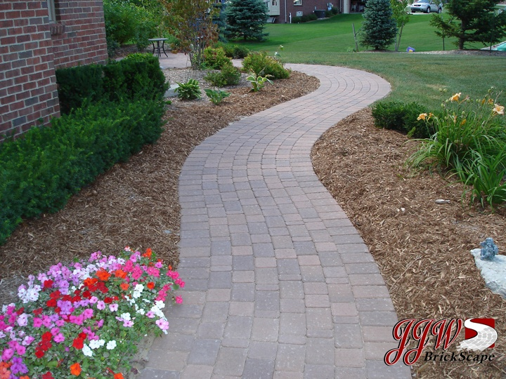 brick paver walkways and driveway pavers macomb rochester hills mi