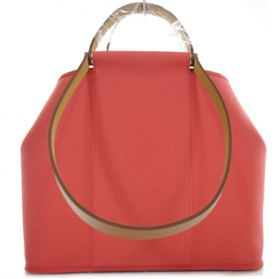 This is an authentic HERMES Canvas Cabag PM Bougainvillea. This stylish  tote is finely crafted