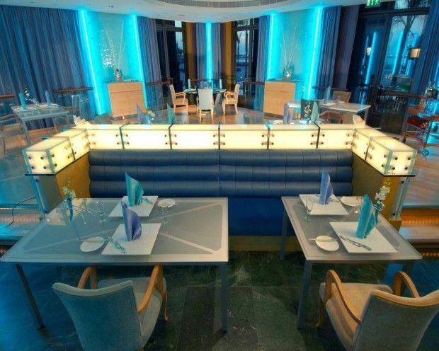 Abu Dhabi- A cidade está em forte expansão e a gastronomia não poderia ficar atrás deste crescimento. Grandes nomes da gastronomia internacional despontam na cidade e eu não pude deixar de conhecer alguns deles na capital: