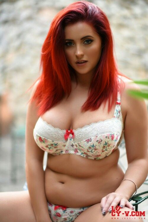 Young bikini fat pussy