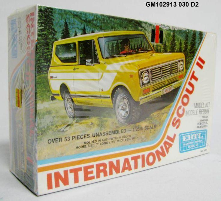 Vintage ERTL International Scout II 1/25 Scale Model Car Kit 8021 SEALED