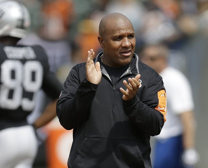 Want Hue Jackson as the next Giants coach? His Raiders tenure could give you second thoughts.