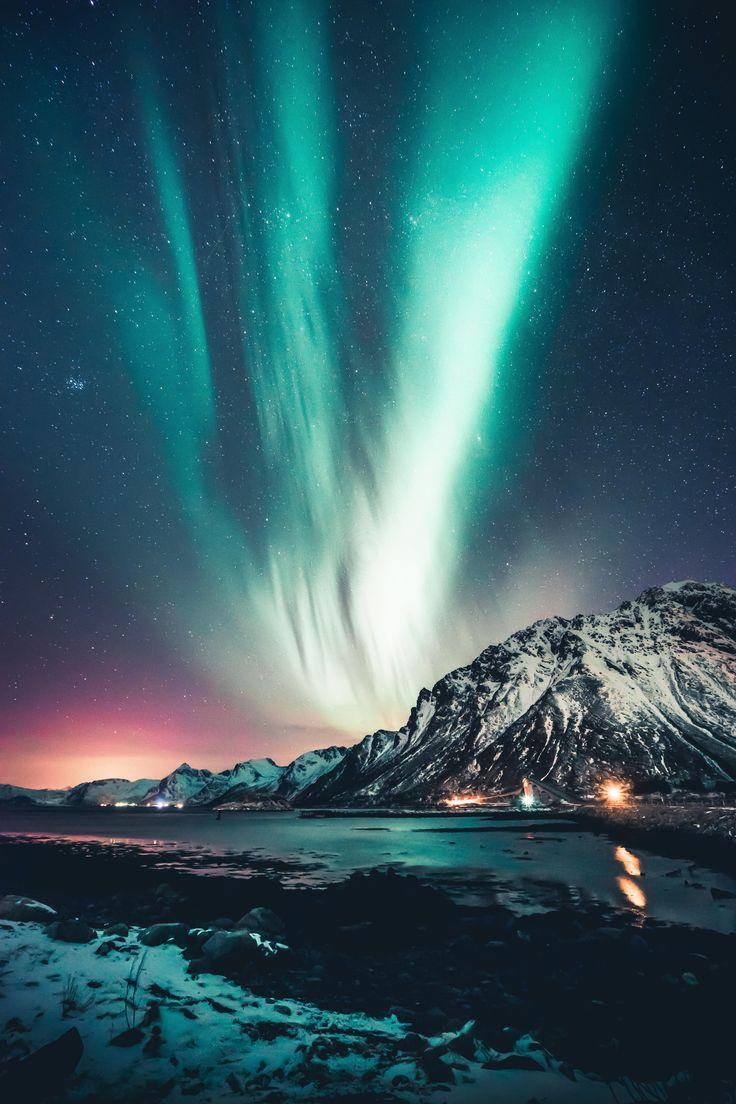Northern lights over Lofoten Islands Norway [OC