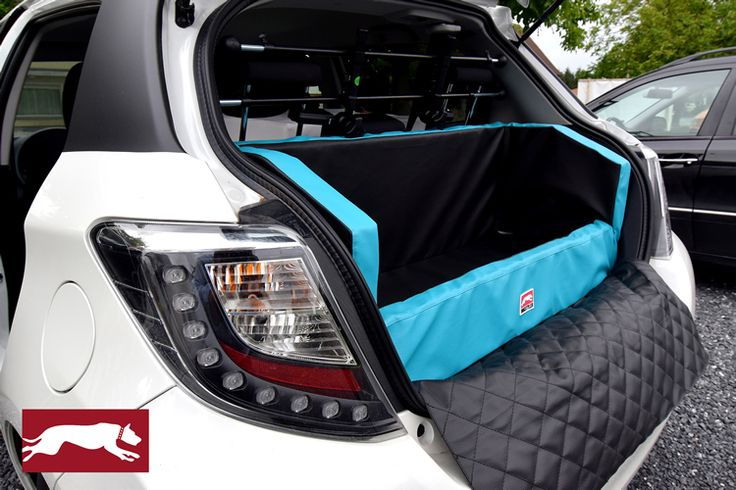 DOGSTYLER dog save and clean in a car - Instead of a dog transport crate: The convenient, bespoke solution for your car boot. The DOG CAR BED from DOGSTYLER