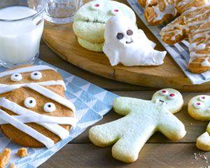 Préparez un buffet d'halloween pour étonner vos amis. Retrouvez tous les conseils pour réaliser des sablés momie, des oranges d'Halloween et des boissons mystérieuses.