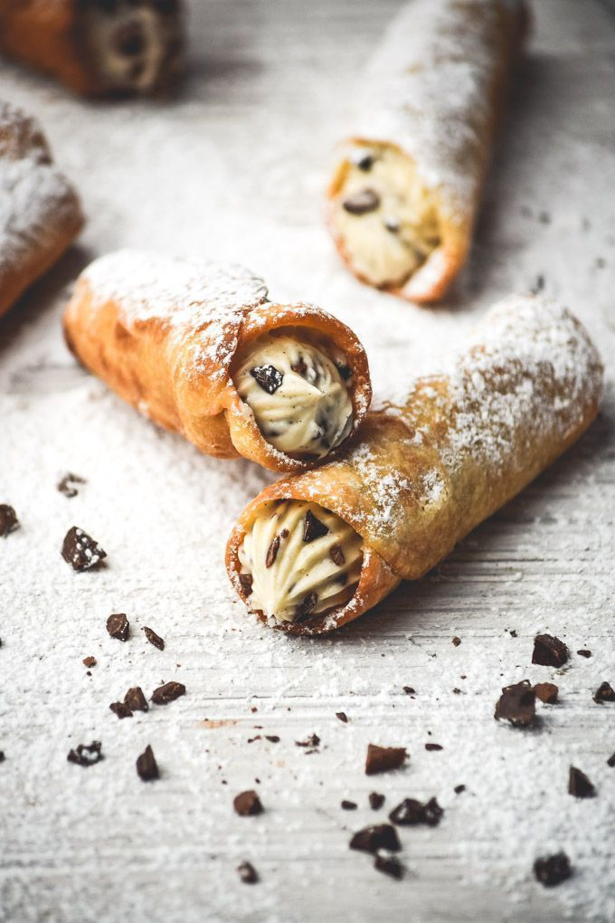 Homemade Vanilla Bean Cannoli,