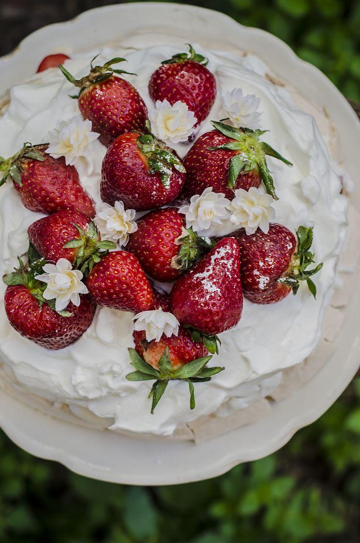 Pavlova alle fragole- Strawberries pavlova