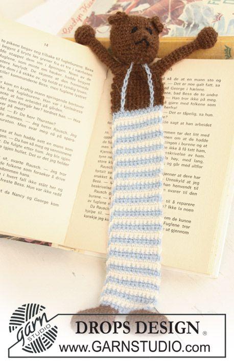 """Gehaakte DROPS teddybeer boekenlegger van """"Alpaca"""".   Gratis patronen van DROPS Design."""