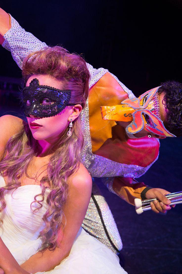 Editorial de Boda, La Petite Princesse. Inspiración para tu boda mascarada -- Bridal Editorial -- Fotografía: Erre Films & Photography -- Vestido de Novia: Mori Lee Bridal -- Mesa de Postres: Baked By Ana